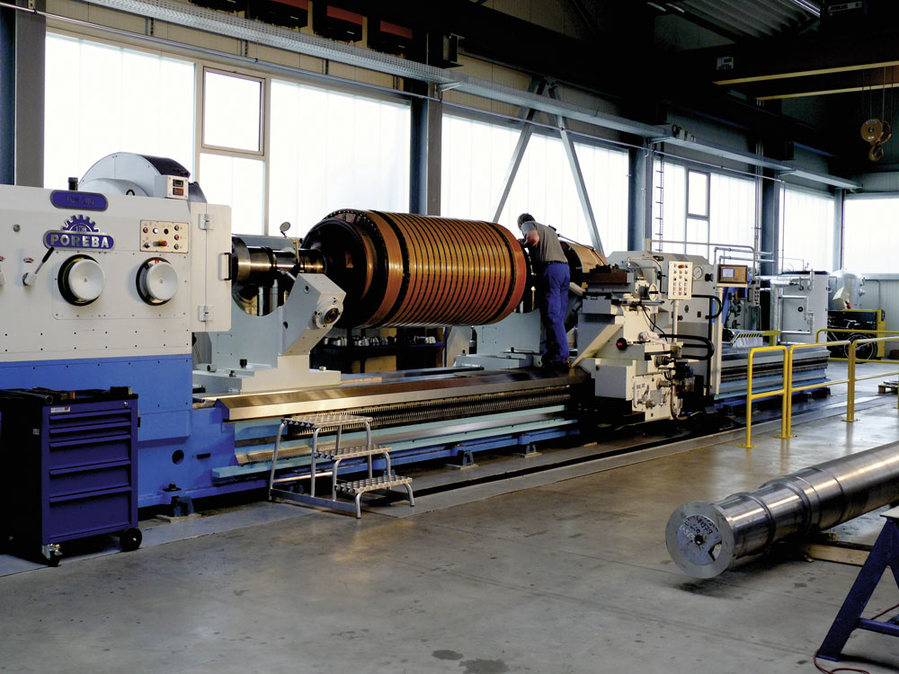 Preparation of runout measurement in lathe